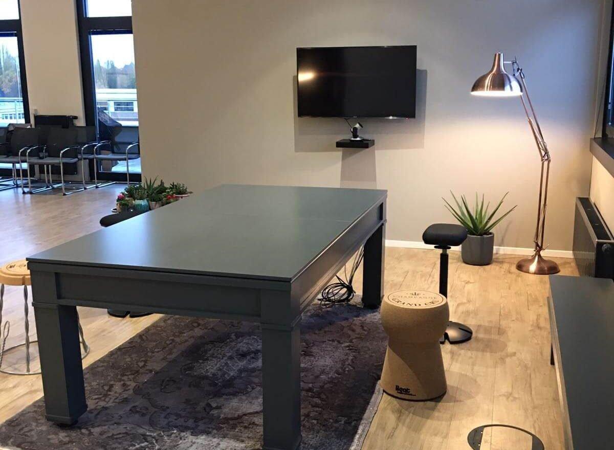 Aufenthaltsbereich im Office Hamburg