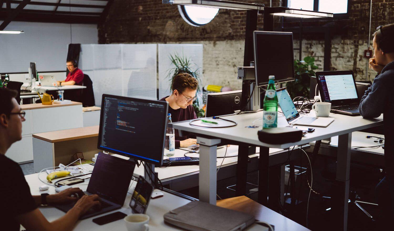 inovex-Mitarbeiter im Großraumbüro Köln
