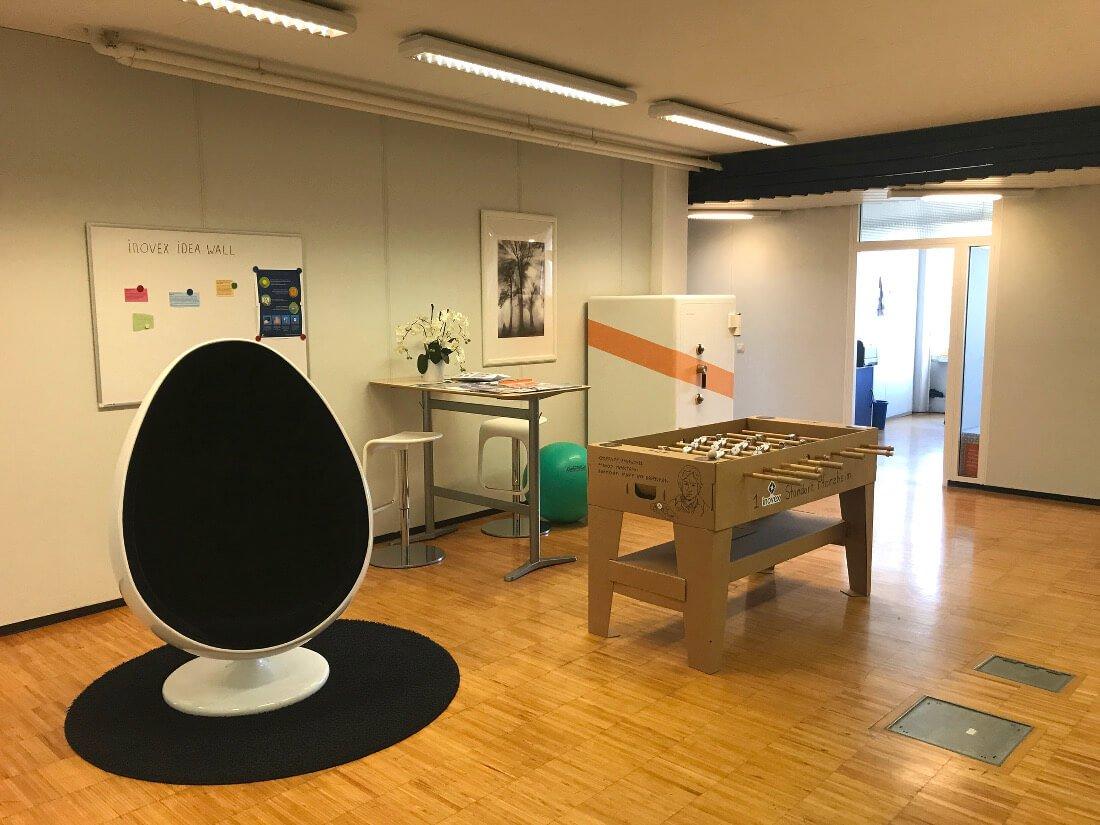 Aufenthaltsbereich im Office Pforzheim