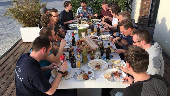 Bild von einem gemeinsamen Grillabend in Köln